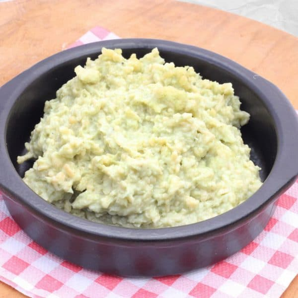 Oude kaas met groene pesto
